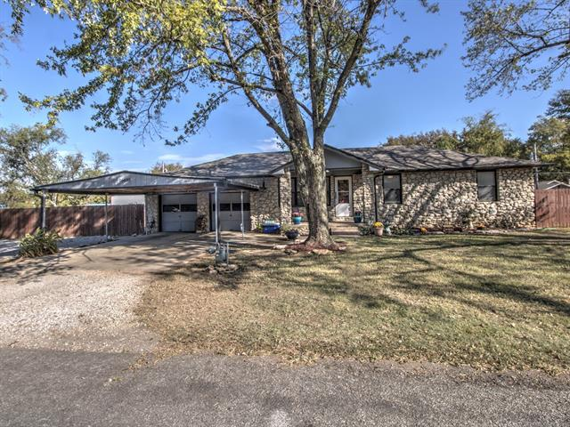 16635 E Newton Place, Tulsa, OK 74116