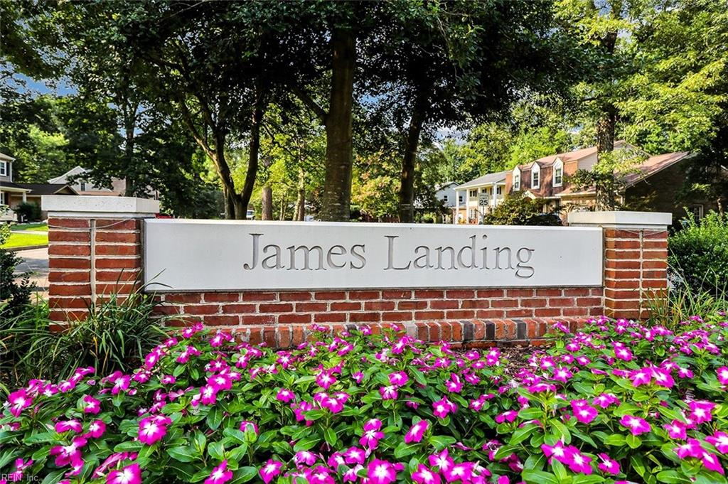 COME TAKE A LOOK AT THIS BEAUTIFULLY UPDATED HOME IN SOUGHT AFTER JAMES LANDING! 4 GREAT SIZE BEDROOMS! THERE IS A FINISHED ROOM OVER GARAGE WITH A FULL BATHROOM THAT CAN BE USE AS A 5TH BEDROOM. NEW TANKLESS WATER HEATER. HVAC WAS REPLACED IN 2018. WELL MAINTAINED HOME THAT IS READY FOR YOU TO MOVE IN.
