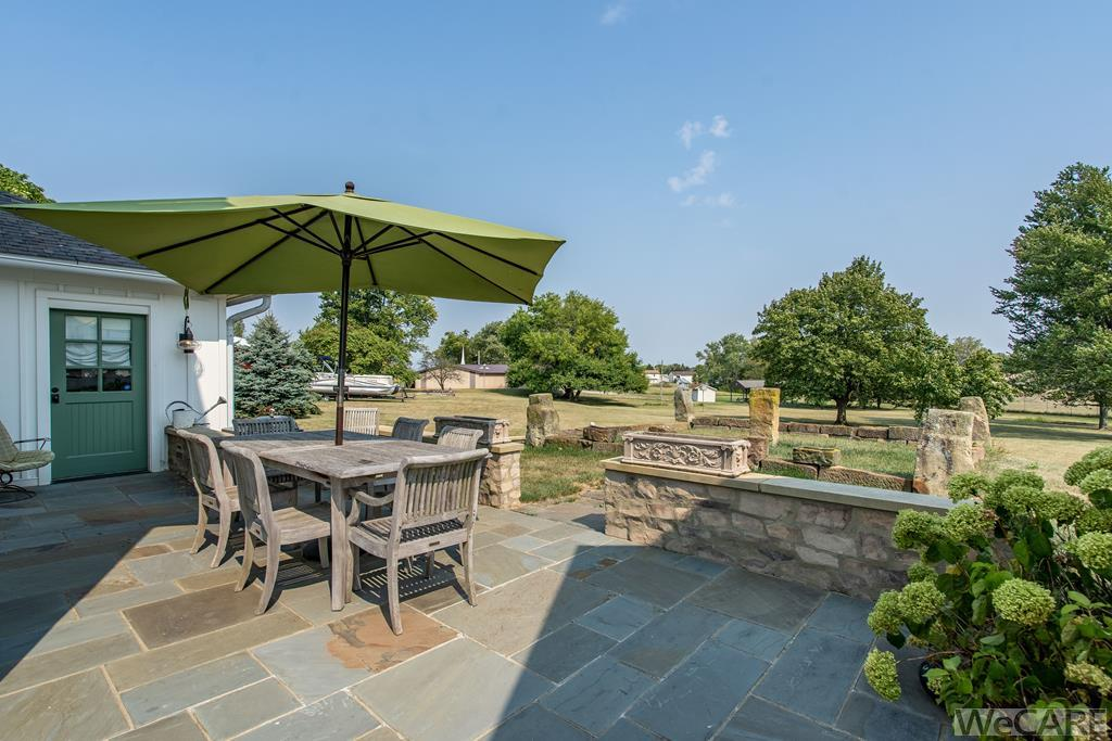 Check out how private this slate patio located off