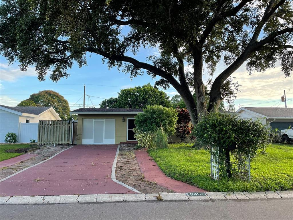 Short Sale. Short Sale great opportunity, great home.