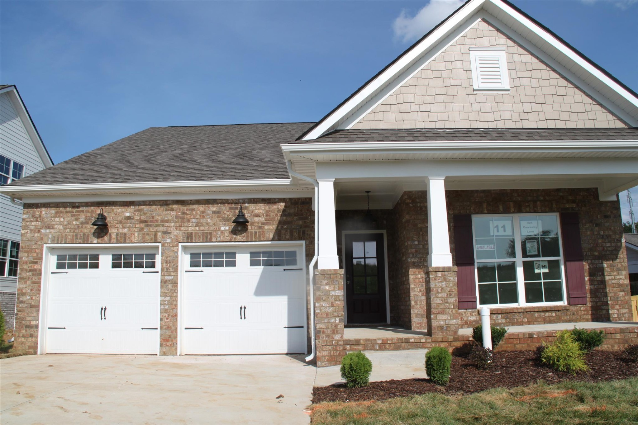 Brand new homes being built by Regent Homes!    A must see!