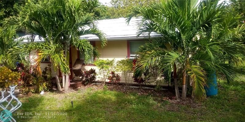 HUGE PIECE OF LAND IN THE HEART OF FORT LAUDERDALE.  BUILT YOUR DUPLEX, TRIPLEX OR MULTIFAMILY ON THIS HUGE LOT. CASH ONLY.