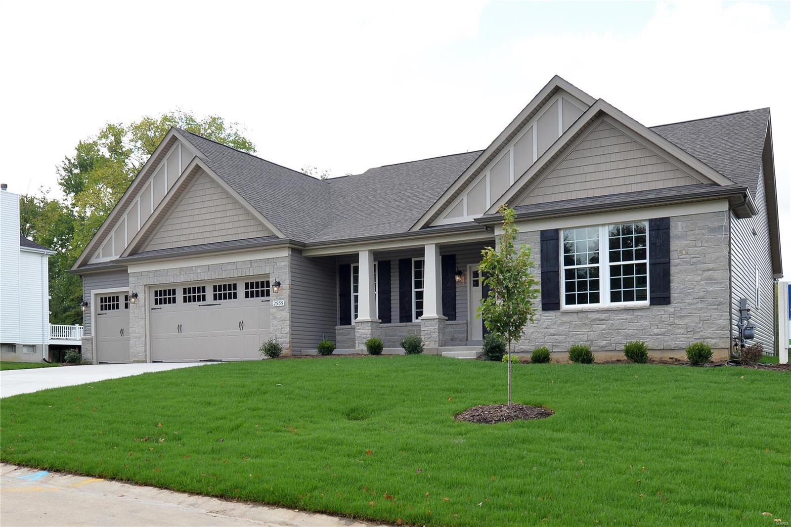 924 Thorn Crown Court, Kirkwood, MO 63122