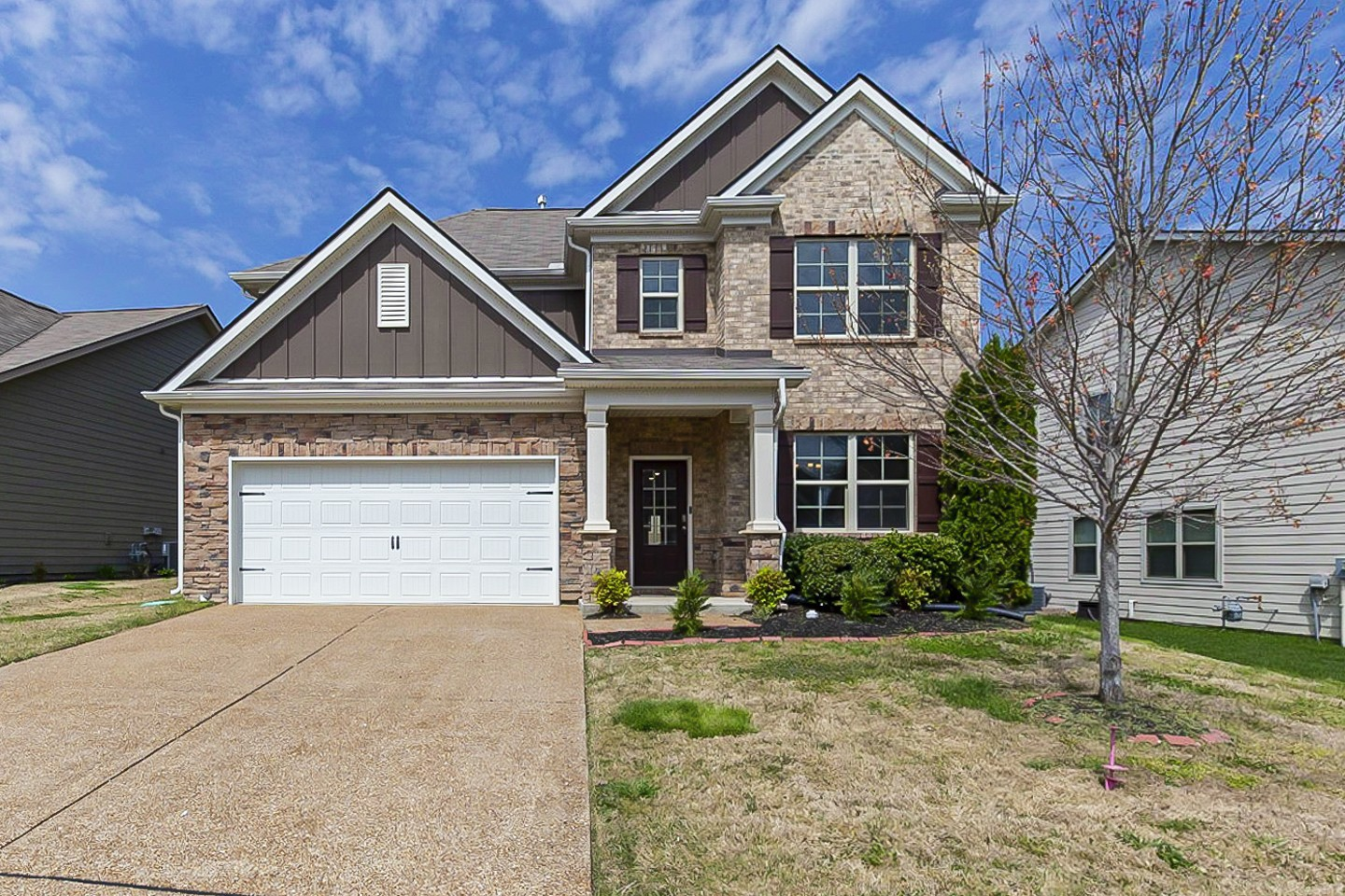 Built in 2015, this Spring Hill two-story cul-de-sac home offers a patio, granite countertops, and a two-car garage.