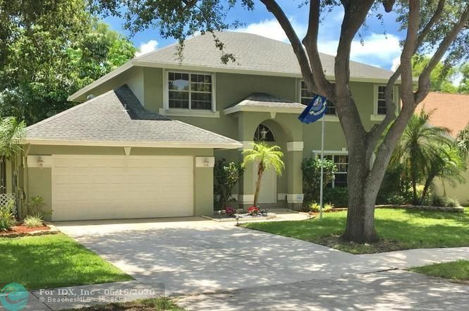Great LOCATION, Top School District. New Kitchen Appliances, All Smudge Proof Stainless Steal, A/C Replaced in 2018.Minutes From I-95 and Turnpike, 6 Miles to the Beach, Home is Situated On A Cul-De-Sac In A Family Neighborhood Of 66 Homes With Low Hoa. New Carpet Installed Over Hardwood Floor (Can Easily Be Removed) For Owners Safety. Updated Kitchen Cabinets, Nice Screened in Patio, Hurricane Shutter, 2 Car Garage and Much More.