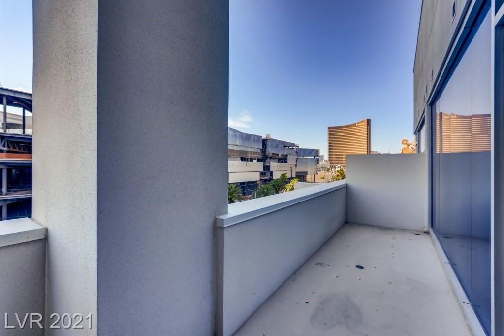 Great 4th floor 2 bedroom 2 bathroom unit now available.  Marble bathroom and kitchen flooring, granite counters, Bosch and Sub-Zero stainless steel appliances. Huge balcony sitting atop of Las Vegas Blvd.