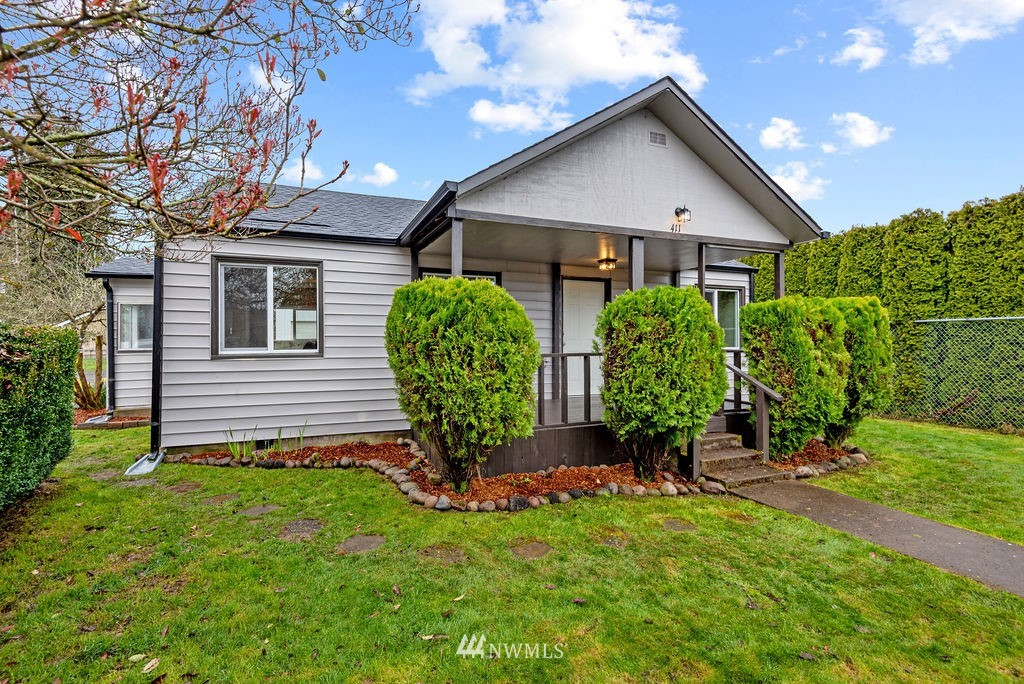 Come see this recently updated home with a large shop in Toledo between Seattle and Portland! Home is within walking distance to down town, schools, and the Cowlitz River Park. Home has all new roof, windows, cabinets, doors, floors, trims, fixtures, and more! This is a 1bd 1ba 704 sq ft home that is spacious inside. Outside you will enjoy the huge 2 bay shop with a loft for storage and plenty of parking. The shop does have its own breaker panel, and water and sewer plumbed to it. This home is very clean and ready for you!