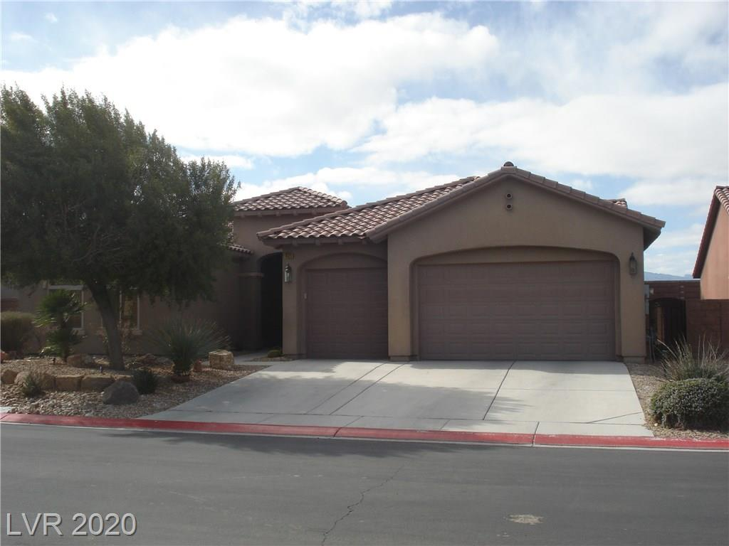 **WELCOME HOME**THIS LOVELY SINGLE STORY HOME IN CLUB ALIANTE INCLUDES AN OPEN FLOOR PLAN W/3 BDRMS,2 BATHS, TILE FLOORING,LARGE KITCHEN W/PLENTY OF CABINETS,GRANITE COUNTERS,BRKFST BAR,MASTER SUITE W/SPA-LIKE BATH, SHOWER & MORE.  EXTERIOR W/3 CAR GARAGE,SPACIOUS BACK YARD W/COVERED PATIO & MORE.  COMMUNITY AMENITIES W/GOLF COURSE,POOL,CLUBHOUSE,TENNIS,PLAYGROUND,& FITNESS CENTER. CONVENIENTLY LOCATED TO SCHOOLS,SHOPPING, FREEWAY ACCESS & MORE!!