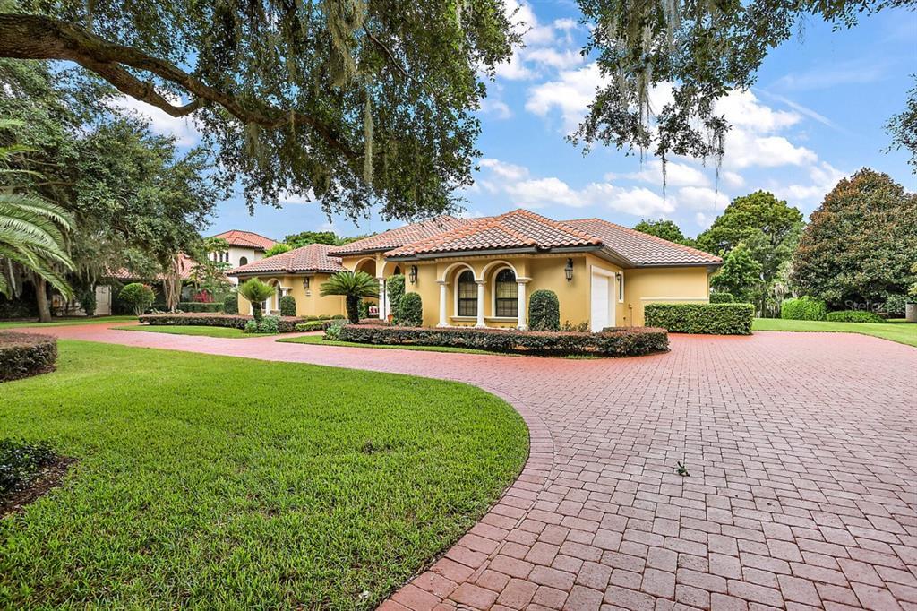 1370 Peninsula Drive, Tavares, FL 32778