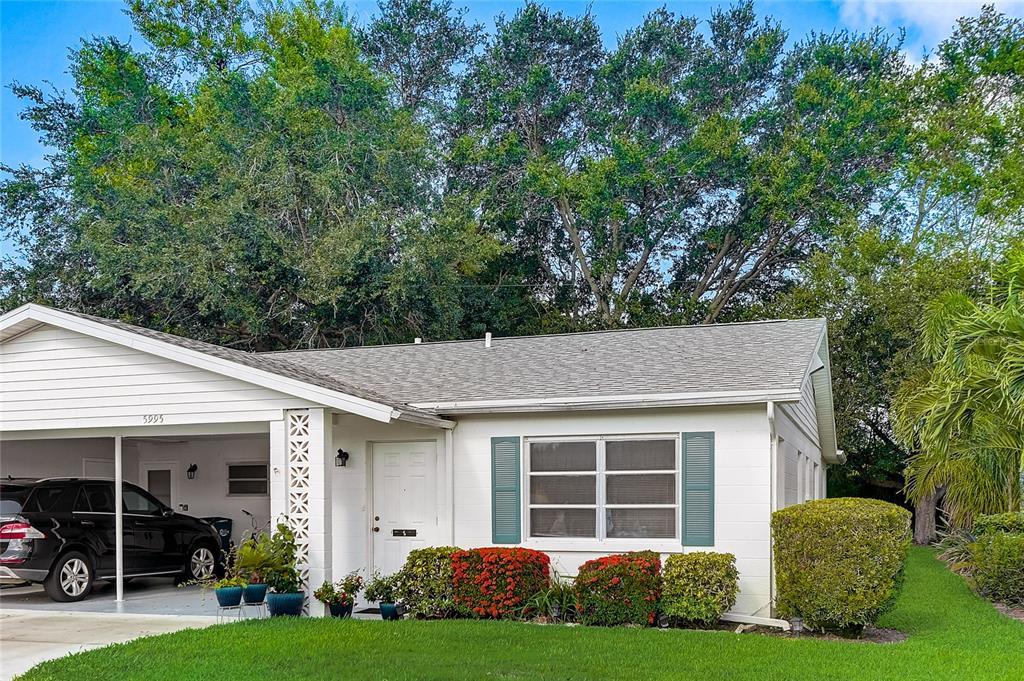 5995 Hibiscus Drive, Bradenton, FL 34207