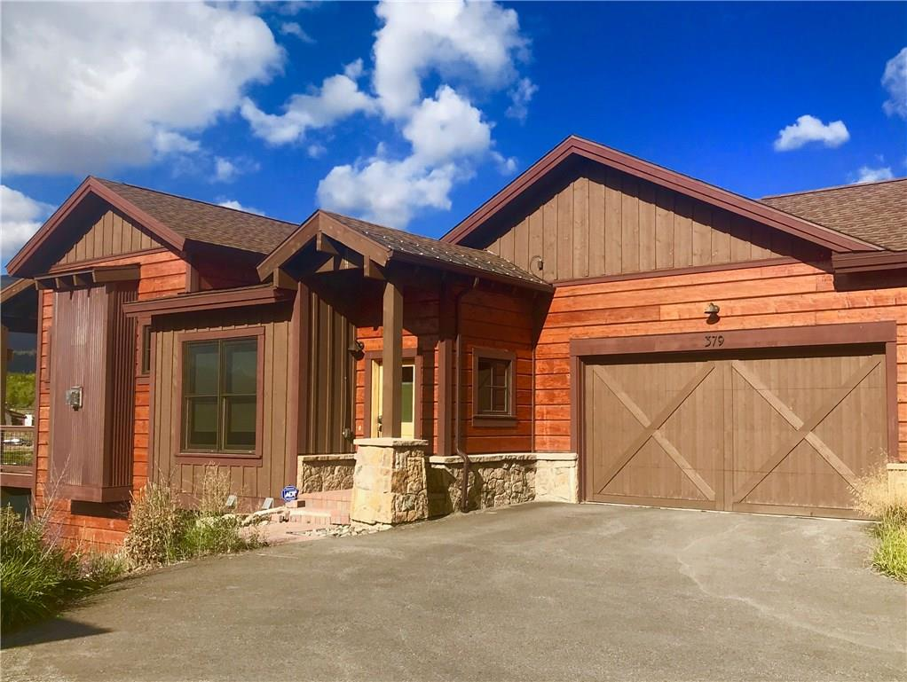 Lakeside home in most desirable location. Views of Gore Range and immaculate sunsets. Relax or entertain with this open floor plan w/ main level master suite. No stairs entering into this beautifully maintained home; Recreation room downstairs coupled with walk out patio and hot tub just steps from the lake. Feel like you're tucked away on this mountain lake and centrally located for easy access to World Class ski resorts and year round events. Private fishing and clubhouse.