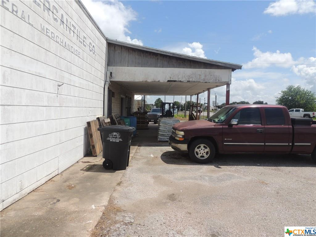 Commercial property on State Hwy 172. Endless possibilities with this property.