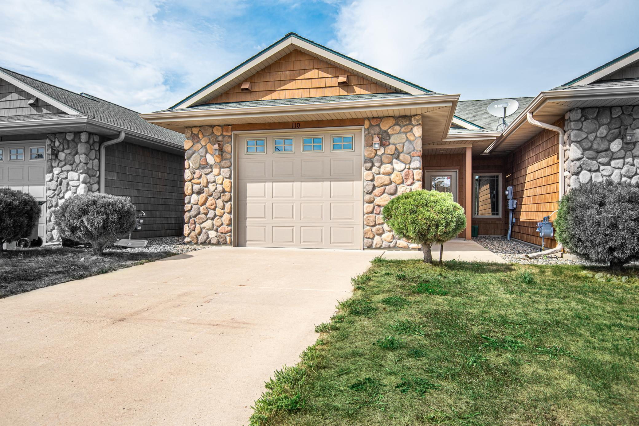 Looking for an easy-care, one-level property? Look no further!  This hard to find 2BR/2BA townhome is ready to go with vaulted ceilings, gas fireplace, 3/4 master bath, and attached heated garage with storage above. Patio w/privacy fencing, central air and additional parking area available for guests.