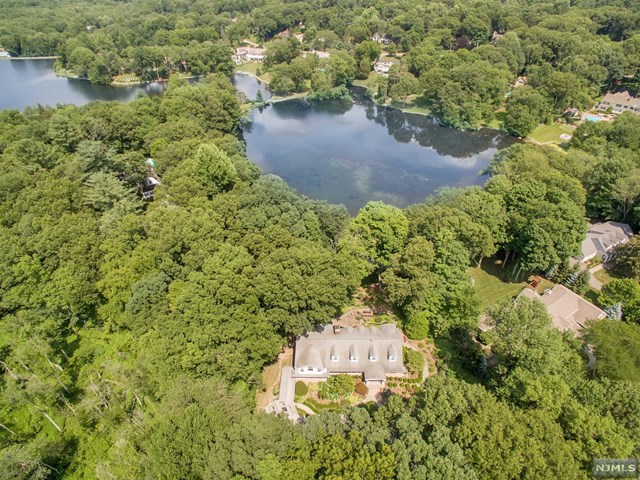 935 Old Mill Road, Franklin Lakes, NJ 07417