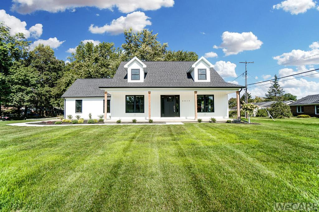 3214 Greens Rd, Lima, OH 45805