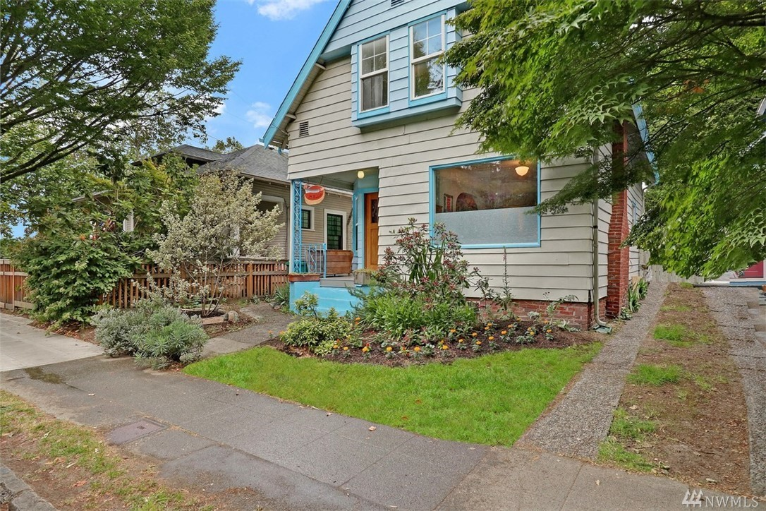 Updated 1906 home - a celebration of craftsmanship and local materials.  Artist designed with hand-hewn woodwork, custom cabinetry, Spanish inspired tile bathrooms and intriguing niches. You'll find Cherry paneling from the Opera House, a golden Fir coat closet and drinking fountain from Garfield HS, and a 6' clawfoot tub that belonged to a long lost CH mansion.  The private backyard is complete with King Gustaf's TeaHouse, a perfect atelier, music space, or quiet retreat. Walk score of 100.