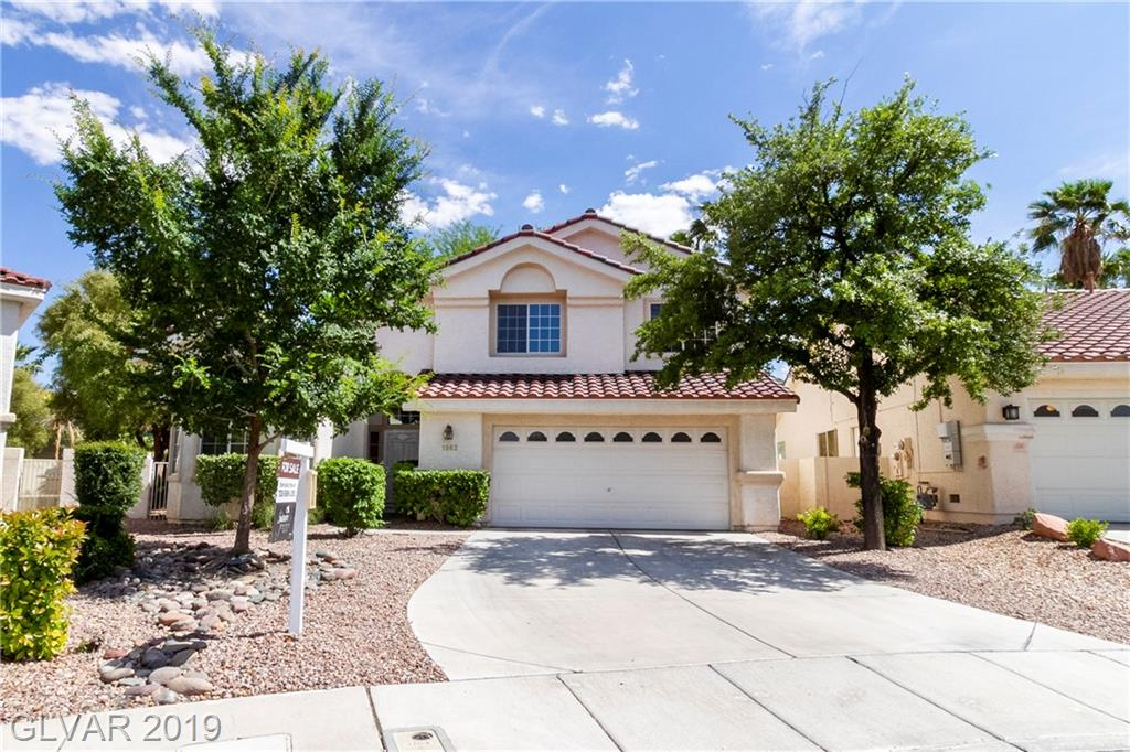 """FABULOUS GREEN VALLEY RANCH 3 BEDRM WITH MASTER DOWN! COMMUNITY POOL/SPA AREA (SEE DRONE PICS) BAY WINDOW/BREAKFAST NOOK IN KITCHEN W/ BUILT-IN MICROWAVE & BREAKFAST BAR. MASTERSUITE: WALK-IN CLOSET! BATH W/ DUAL SINKS, SEP. SHOWER & GARDEN TUB, 2ND SLIDER TO LOVELY, EASY CARE, BACKYARD OASIS COMPLETE WITH SWING & GARDEN AREA. UPSTAIRS BEDRMS HAVE 2""""BLINDS, RAISED PANEL CLOSET DOORS & CEILING FANS. CLOSE TO COMMON AMENITIES. TRULY A GEM!"""