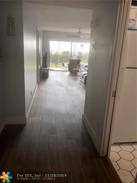GREAT 1 BED 1.5 BATH APT AT VERY GOOD PRICE IN PALM-AIRE CC. IS A BRIGHT & SPACIOUS UNIT (1000sf) HAS BEEN WELL MAINTENED, ALL TILE, UNFURNISHED,  LOTS OF CLOSET AND STORAGE SPACE, NEXT TO POOL, COMUNITY PARK & PUBLIX- PALM-AIRE IS SOURRENDED BY 3 MAJOR GOLF COURSES & CLOSE TO 1-95 & FL. TRNPK, RESTAURANTS, SHOOPING ISLE CASINO , 6 MI FROM THE BEACH, SOLD AS IS W/RIGTH TO INSPECT. INTERNET HIGH SPEED AND CHANNELS AVAILABLE. WON'T LAST.