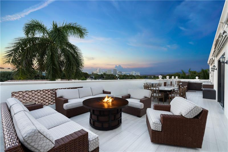 ONE of a Kind Waterfront Luxury Penthouse in Rio Vista.  Enjoy your over 1450 sqft of balcony with summer kitchen.  Great for entertaining. This special penthouse has a Large Designer kitchen with gas cooking, Open floorplan, Wood floors, Tons of storage, Private foyer, Dock slip with boat storage and more.  Amazing waterfront views & astonishing sunsets.  The best South Florida Lifestyle. Walk to Fort Lauderdale Yacht Club.  Minutes to Inlet, beach, Las Olas, restaurants & airport.  A Boat's dream.  Location, Location, Location. A must see.