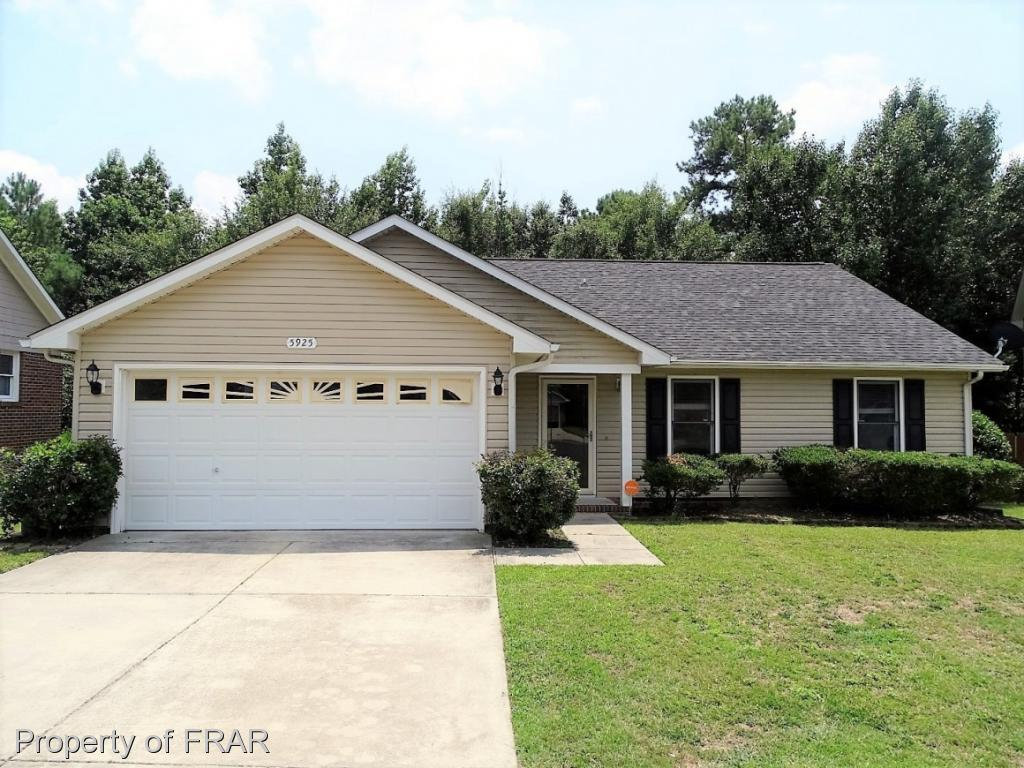-Wonderfully kept 3BR/2BA ranch located in an established neighborhood. Large great room features a gas log fireplace. Kitchen boasts updated granite counter tops and stainless appliances! Bathroom has marble sink! New carpet and paint!!   Large fenced in backyard with a deck perfect for entertaining!