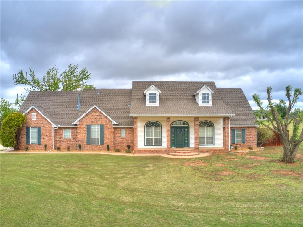 *MULTIPLE OFFERS, Highest & Best due by Friday 23rd @ 10:00 AM* What you've been waiting for on 5 acres mol!!! 3 Bed, 2.5 Bath home has 2 Dining areas & nice flow for family gatherings or entertaining. Just off the entry is a formal dining w/crown molding. The living room features gas log fireplace w/built-in bookcases. PLENTY of counter & cabinet space in the roomy kitchen w/center island, granite transformations overlay, double ovens & dining area w/desk & patio access, with the utility room & 1/2 bath located just off the dining area. The primary bedroom has ceiling fan & full bath w/medicine cabinet mirrors, jetted tub, full tile shower & walk-in closet w/built-ins. Guest bath also has medicine cabinet mirrors & a tub/shower combo w/tile surround. Covered patio, privacy fencing w/storm shelter in the immediate backyard. Along with a 24x30 shop w/opener & driveway, in the open acreage.