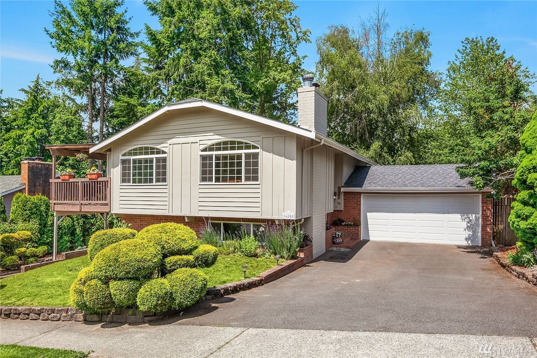 Beautiful updated home in Ed. Hill premier Redmond location. Fully remodeled kitchen w/SS appliances & granite counter top. Vaulted ceiling, open concept, bamboo flooring, new int. paint, plenty of light exposure. Bathrooms are remodeled tiles & vanities. Large sunny lot w/huge 2 entertainment decks and space for fire pit activity. Beautiful yard w/lots of garden space & a playhouse. Minutes from Microsoft, Redmond Town center, Hwy 520&202. Walking dist to Mann Elem. Redmond middle, High School.