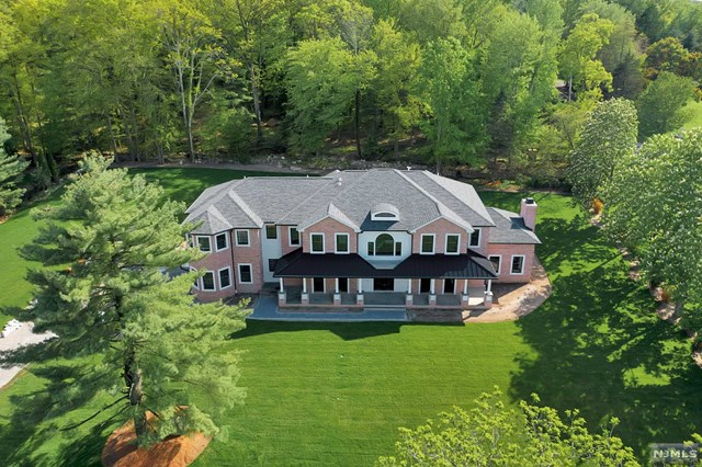 718 Wooded Trail, Franklin Lakes, NJ 07417