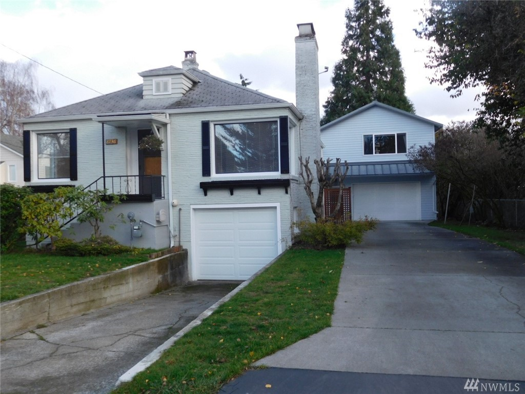 98133 5 Bedroom Home For Sale