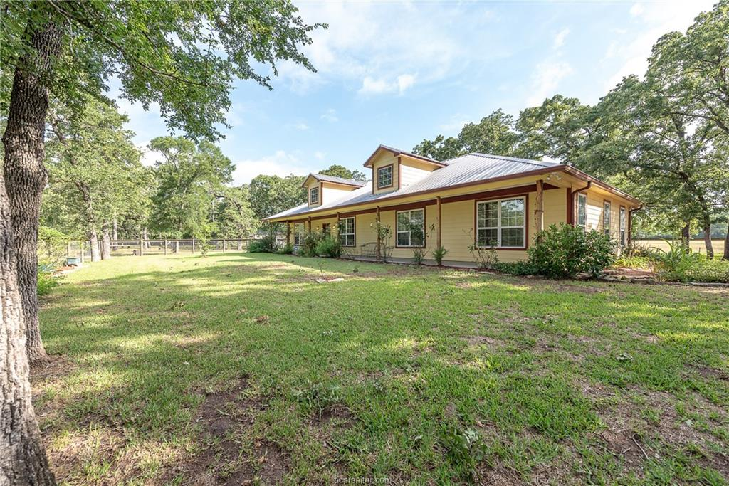494 County Road 427, Somerville, TX 77879