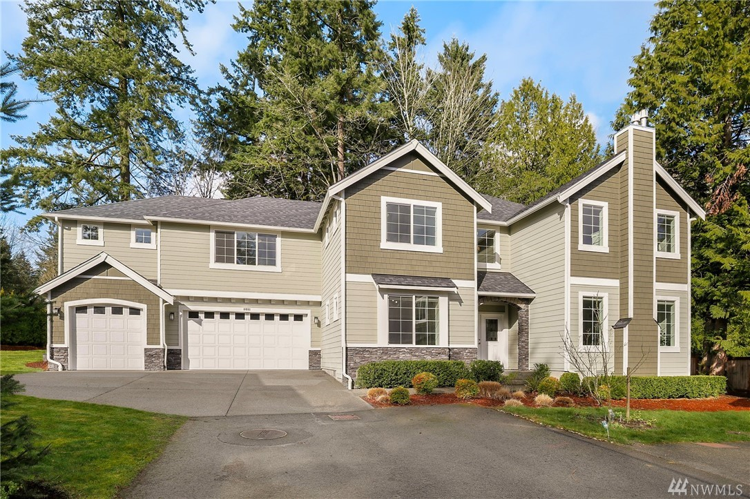 Quality Built in 2014 by Sapphire Homes of Bellevue: 4 bedroom, 3 bathroom home has 3,376 sf & located on dead-end street. Inside you'll find an open concept floor plan w/ updates throughout. Den/5th bedroom & large bonus room on Main. Upstairs you'll find a large master suite w/ fireplace. Home also has a large 3 Car Garage & Central AC. Excellent location w/ easy & fast access to Kirkland, Redmond, Microsoft, Lake Washington Schools, Parks, 405, 520 & more! 8,384 sf lot w/ big & level yard.