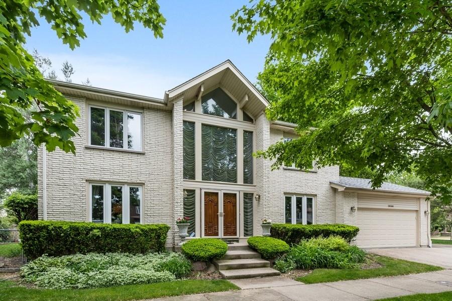 1930 Cavell Avenue, Highland Park, IL 60035