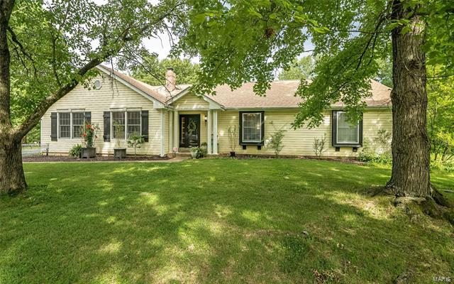 14925 Greenleaf Valley, Chesterfield, MO 63017