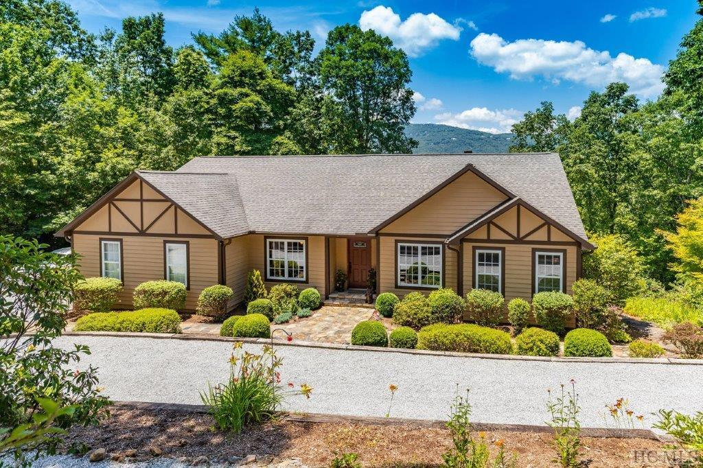 21 Mountain View Road, Lake Toxaway, NC 28747