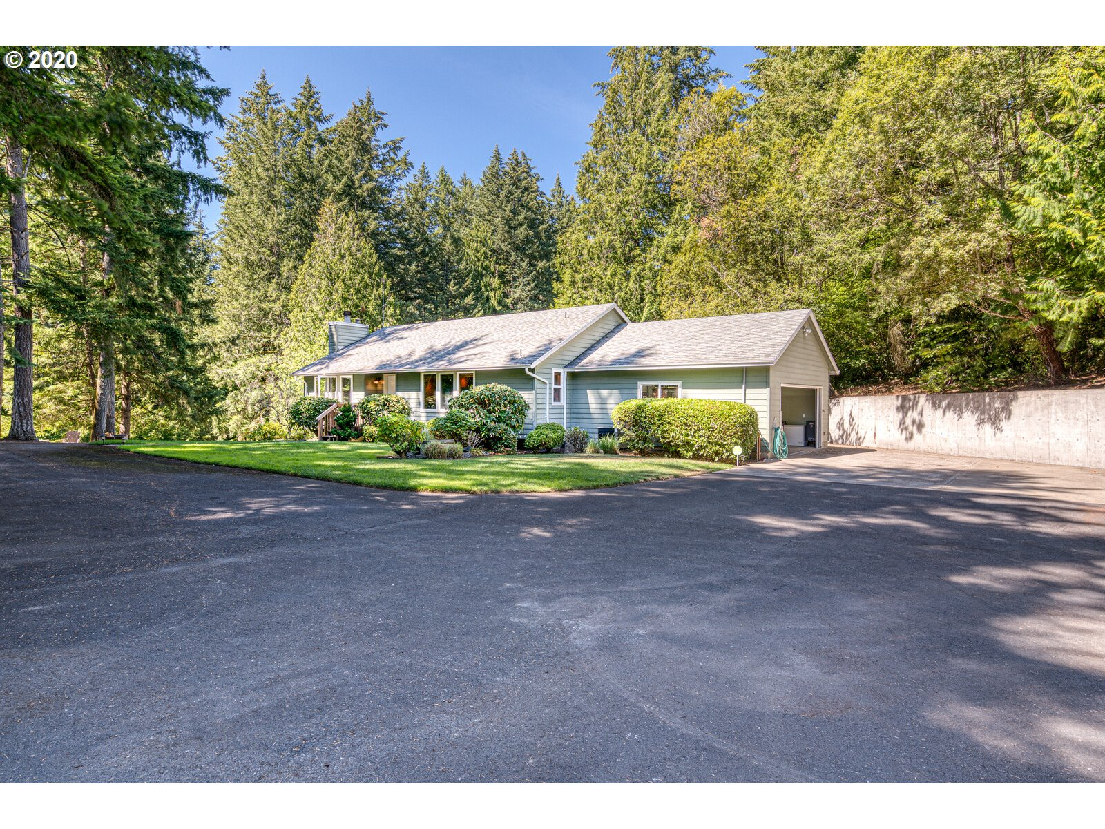 Seclusion at its Best! Gorgeous remodeled gourmet kitchen Master bedroom on the main floor. Very open floor plan with plenty of windows to enjoy the beautiful property. 3 full RV hookups. Canby Schools. Must see to appreciate!