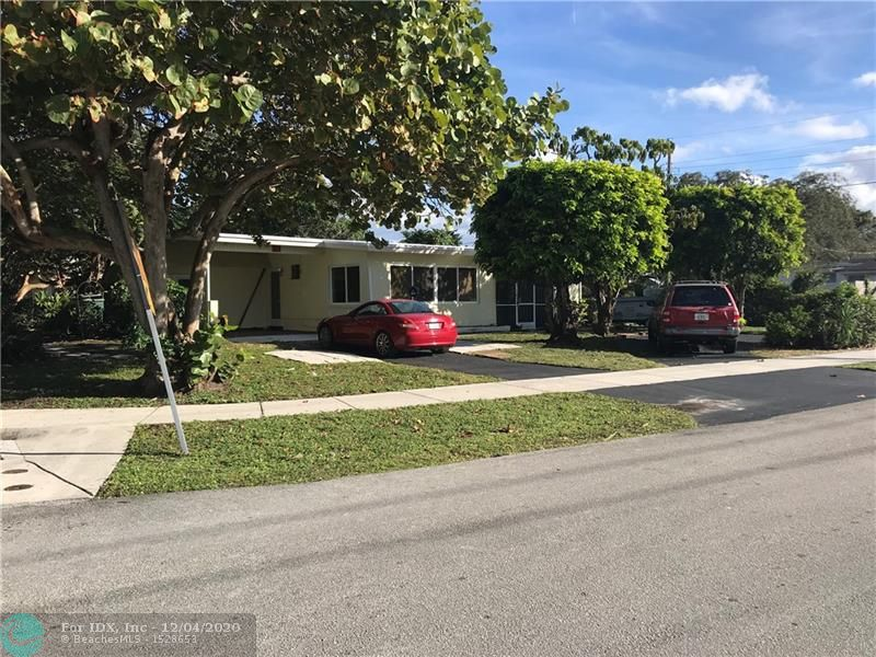 RIVERLAND VILLAGE GREAT FAMILY NEIGHBORHOOD, 3 BEDS 2 BATHS CARPORT HOME ON OVERSIZED CORNER LOT WITH NEW ROOF IN  NOVEMBER 2020, IMPACT WINDOWS, CENTRALLY LOCATED TO COMMUNITY BOAT RAMP, PARKS, I95, 595, TURNPIKE, HARDROCK CASINO, SHOPPING AND MORE...