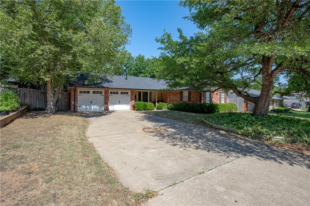 RARE OPPORTUNITY TO BE IN THIS HIGHLY DESIRABLE CENTRAL NORMAN LOCATION!! BRAND NEW ROOF AND GARAGE DOORS, newer AC, both bathrooms STYLISHLY UPDATED, new paint, sewer line replaced (~8 years) and UPDATED KITCHEN (~15 years). 3 bedrooms PLUS AND OFFICE/DEN AND INSIDE UTILITY ROOM. Treed lot and great backyard. FANTASTIC LOCATION with easy access to the University and HWY 9, but nestled in a quiet neighborhood! HOUSES IN THIS AREA DON'T BECOME AVAILABLE OFTEN AND SELL QUICKLY!!
