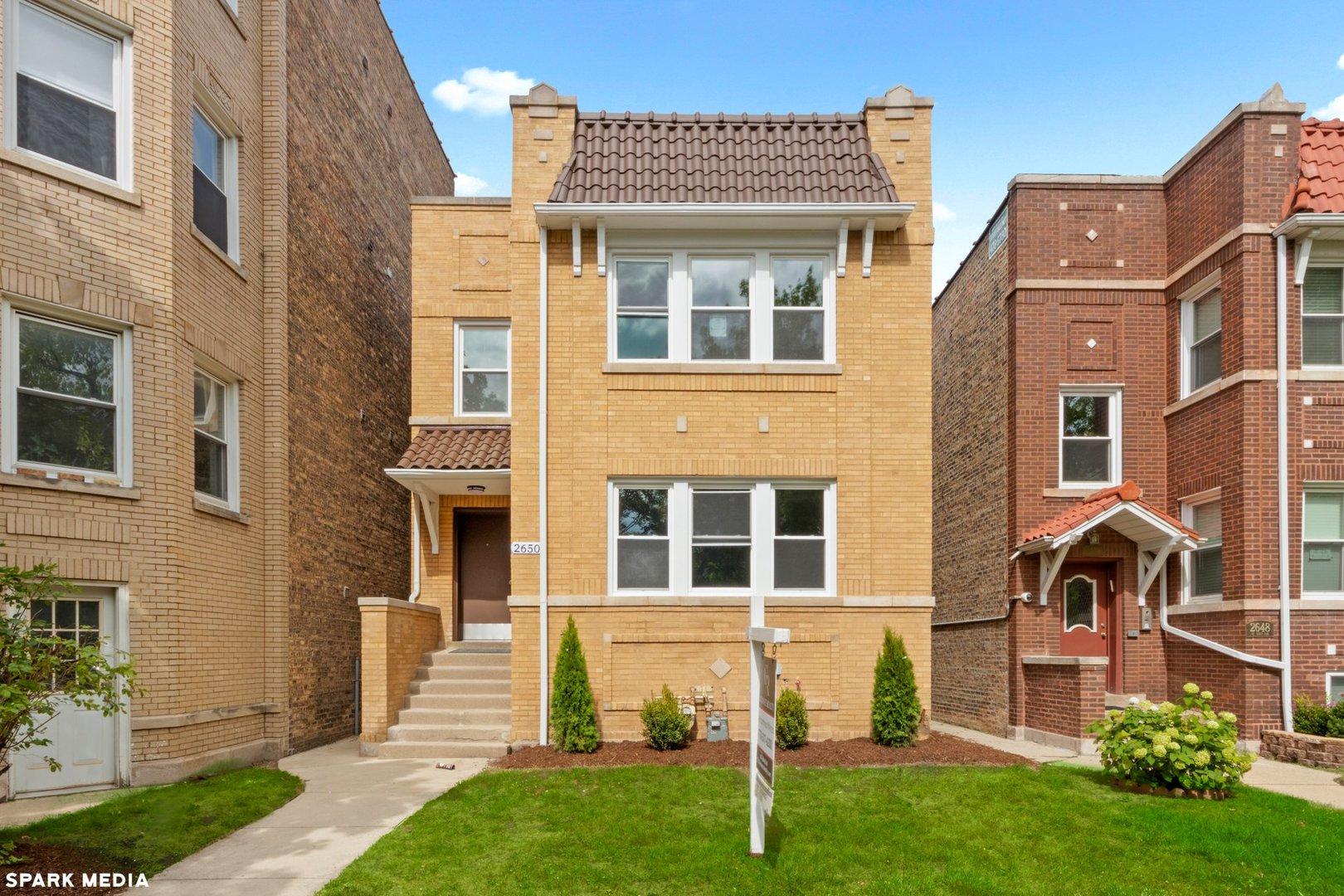2650 W Lunt Avenue, Chicago, IL 60645