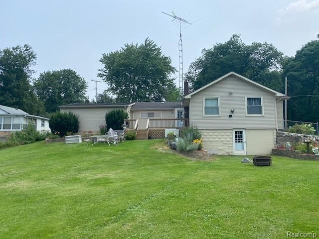 Davison Lakefront home! 3 bedrooms, 2 full baths, 2 car attached garage, with 1,200 sq. ft. of living space. Walkout basement, new deck, huge lot, 113 feet of frontage. Nicely landscaped, wonderful views, new well, new furnace in 2017, and hot water heater. Needs a little TLC, rare opportunity! Hurry! Will not last long!