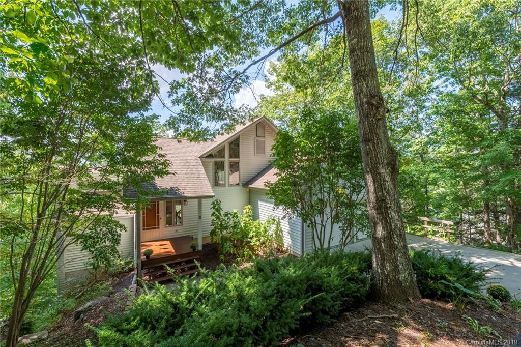 6 Skyview Court, Asheville, NC 28803