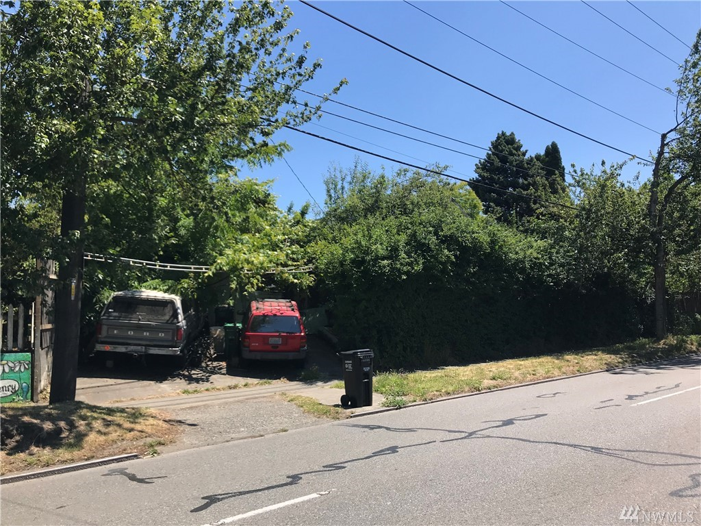 4104 Leary Wy NW, Seattle, WA 98107