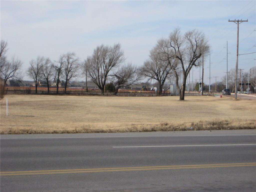 THIS COMMERCIAL LAND IS C-1 AND IS 1.67 ACRES ON A PRINCIPAL, ARTERIAL INTERSECTION.  THE NEW SUPER CENTER WAL-MART IS RIGHT ACROSS THE STREET.  WHAT AN EXCELLENT OPPORTUNITY FOR YOUR BUSINESS ON THIS HEAVILY TRAVELED ROAD.  THERE ARE LOTS OF HOMES & APARTMENTS WITHIN A MILE RADIUS.