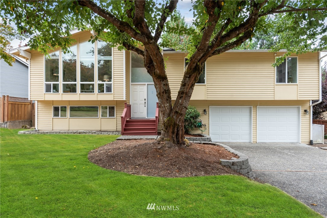 12823 NE 106th Place, Kirkland, WA 98033