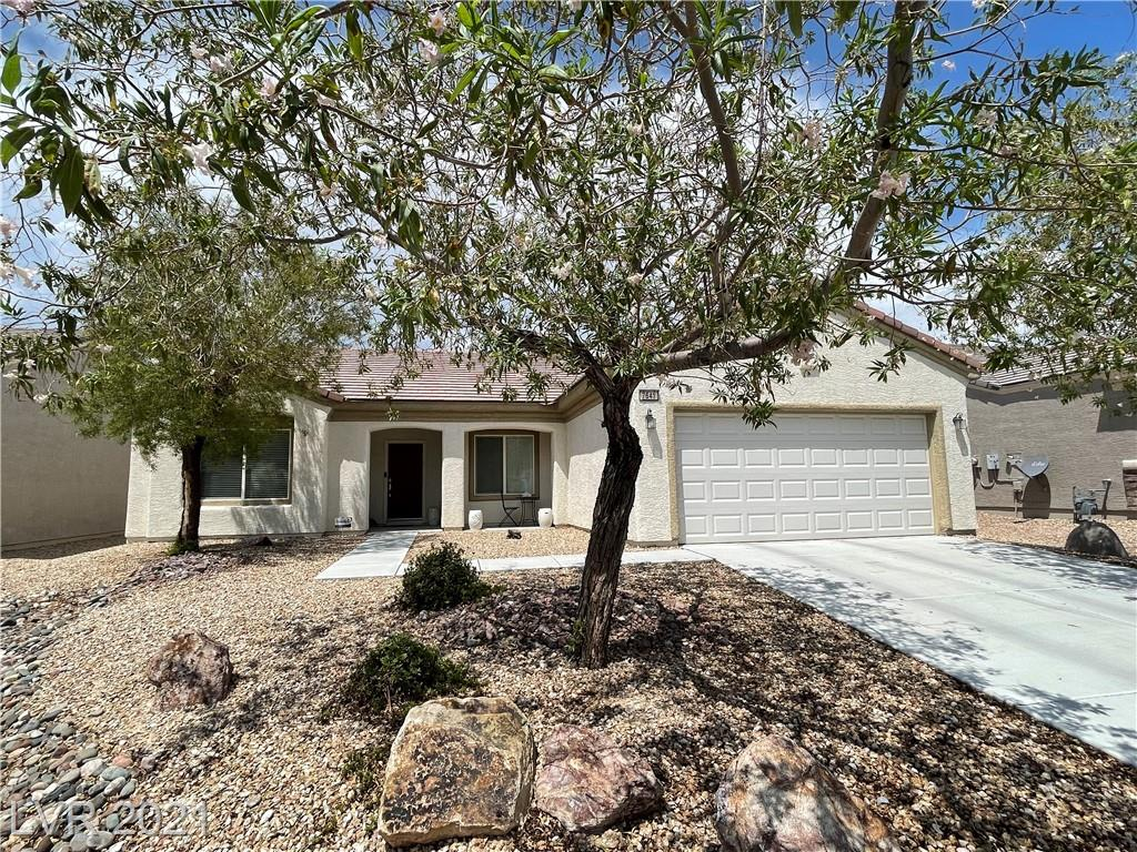 NO SID !!!! Immaculate Helena model. Open floor plan, spacious, 18x18 diagonal tile flooring throughout except bedrooms and den, Gourmet kitchen has maple cabinets, granite counter tops, black appliances, island, working desk, dinette area; total 4 ceiling fans/lights (living room, master bedroom, guest room, and den); Oversize primary bedroom to add a sitting area; covered patio, backyard is partially fenced.  Enjoy Sun City Aliante amenities: Indoor swimming pool/spa, sauna room, exercise room, computer room, library, social lounge, gaming room, Yoga classroom, art and sewing room, Bocce courts, tennis courts, pickleball courts,  and many more... MUST see to appreciate.