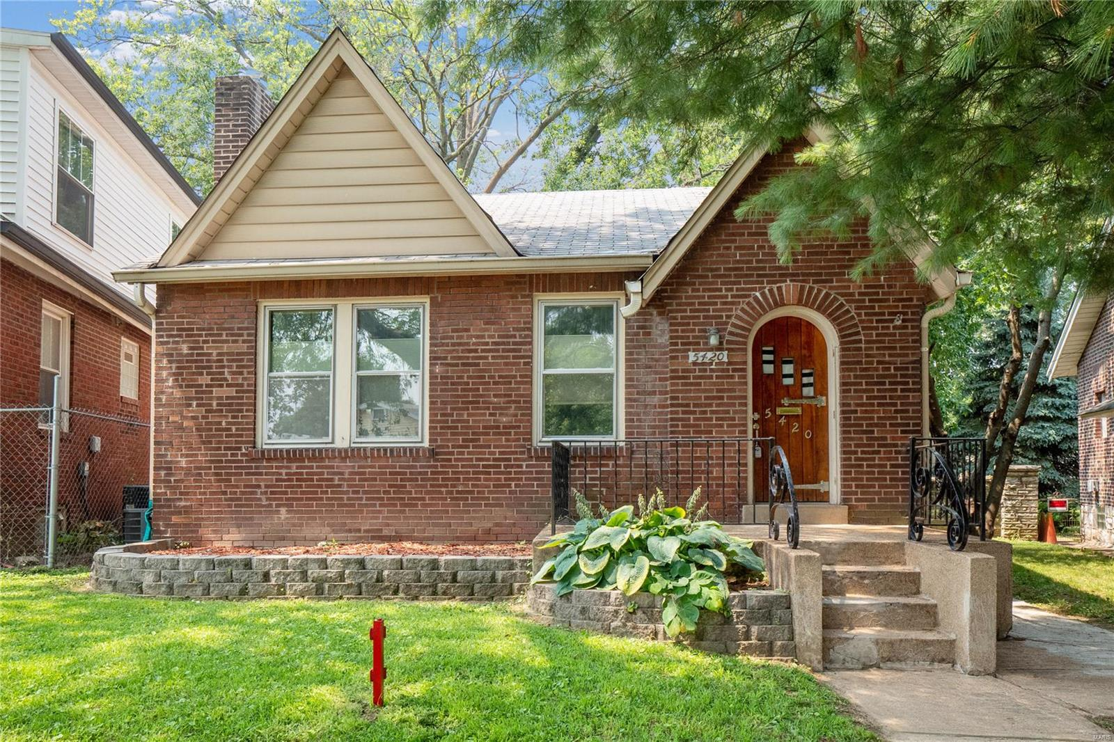 5420 Quincy Street, St Louis, MO 63109