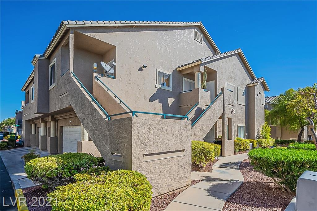 Gorgeous 2nd floor 2 bedroom 2 bath condo with one car garage in gated Stone Ridge at Peccole Ranch community!  Gated community,    with beautiful walking trails. This is a prime location for access to Summerlin shopping, restaurants and entertainment. Large upstairs unit with open floor plan and high ceilings.