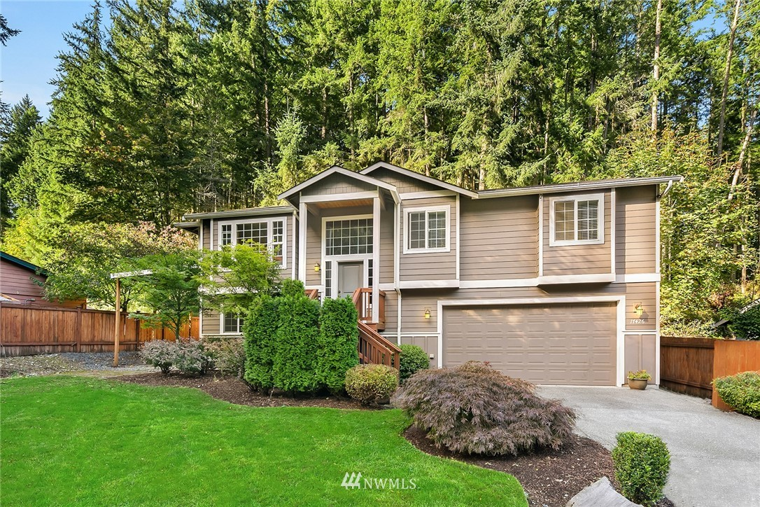 Hard to find newer build in Cottage Lake community-built in 2012.  Beautifully maintained in a very quiet neighborhood. 4 bedroom and 3 full baths. Great Northshore school district, minutes to wine country and downtown Woodinville. SS appliances, granite countertops, maple shaker style cabinets. Large deck with endless ideas for backyard. 30 year roof and hardi-plank siding. A/C added 2 years ago, Great for summers. Covid 19 rules apply.