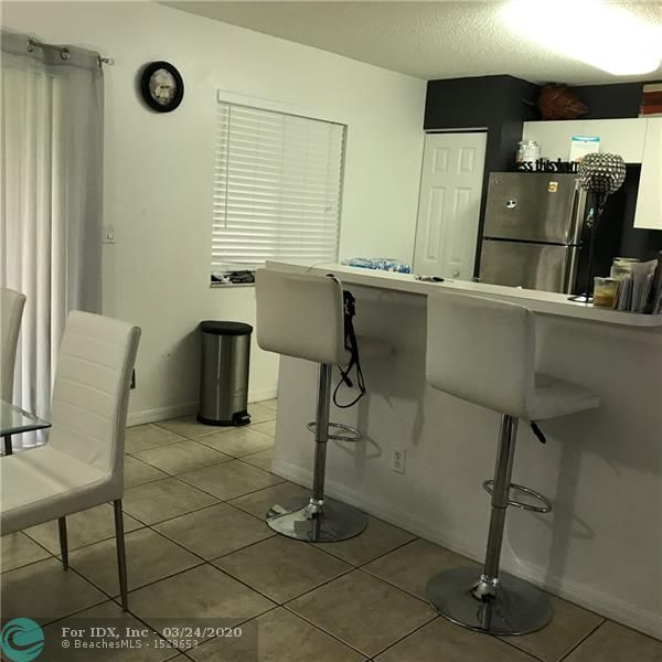 NICE  TOWNHOUSETHIS 2 BED 2.5 BATHROOM , IN THE BEST GATE COMMUNITY IN WEST DEERFIELD BEACH WATERWAYS, TWO MASTERBEDROOMS UPSTAIRS , AND SPACEFULL LIVING AREA PLUS ENDOSED SCREEN PATIO IN FIRST  FLOOR.. UNIT IS IN GOOD MOVE IN CONDITIONS, REGULAR  SALE,.. LOCATION IS GREAT, CLOSE TO MAIN HWAYS AND GOOD SCHOOLS AND COMMUNITY HAVE A LOT OF AMMINITIES, MUST SEE IT.