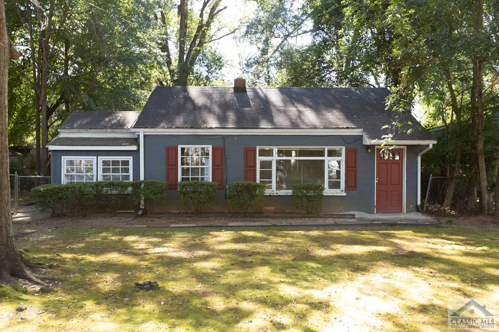 Rare Opportunity in Boulevard! Houses don't come available often on Sylvia Circle which is a quite secluded neighborhood across from UGA's Medical Campus. This house has add-value or investment potential. Jump on this one before it's gone!