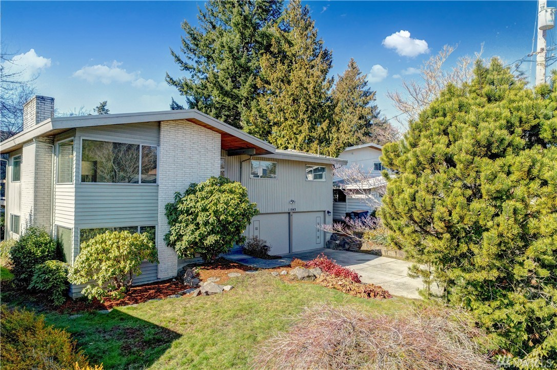 11043 Marine View Place SW, Seattle, WA 98146