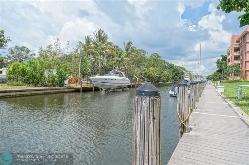 Condo eligible for 3% down financing!! Located on Fort Lauderdale's own private island, River Reach! Situated on the New River and just minutes from downtown. In unit washer & dryer and tons of storage space. Dock spaces available for rent for only $58/ft/year. Community has 3 heated pools, car washing station, tennis courts, kayak ramp/storage, fitness center, 24/7 security and more! Pet friendly building. Lots of parking!
